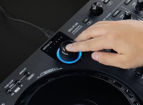 Press the knob again to release the effect, then play the next track
